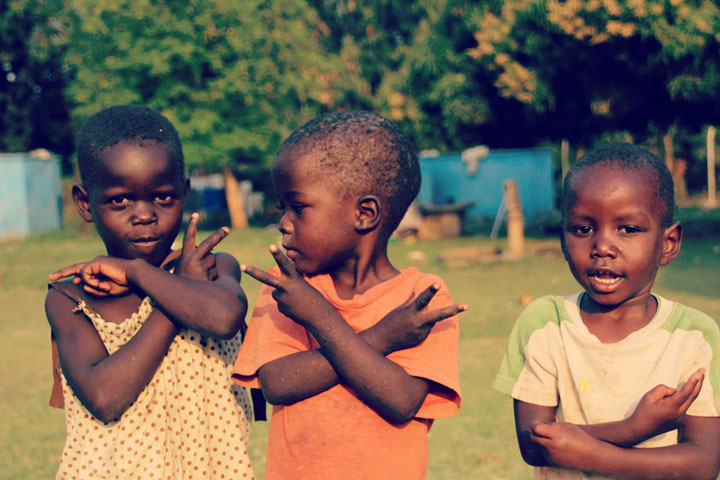 3 boys from Uganda - Peace!
